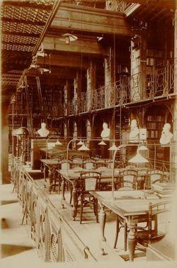 De vroegere leeszaal van de Stadsbibliotheek