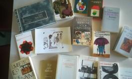 Enkele boeken uit de collectie van de KANTL