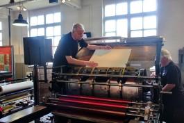 Drukkers tonen druktechniek
