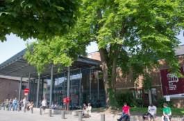 Voorgevel van de Provinciale Bibliotheek Limburg