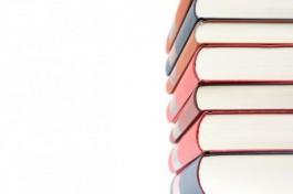 Foto van een stapel boeken