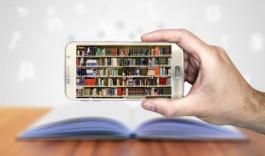 Foto van boeken op een smartphone