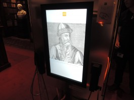Foto: Gutenberg op een mediaconsole van Conn3ct