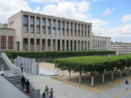 Foto van het gebouw van de Koninklijke bibliotheek van België