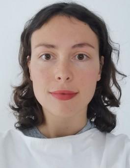 foto van gezicht, vrouw met halflang bruin haar