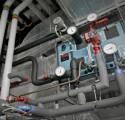 Buizen en meters van een airconditioningsysteem