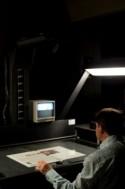 Digitalisering van een krant in het scanatelier