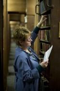 Magazijnier in de Erfgoedbibliotheek Hendrik Conscience