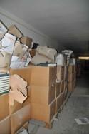 gevulde verpakkingsdozen in de ex-bibliotheek van het Ministerie Openbare Werken