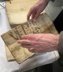 Handschriftfragment in handen