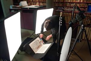 Digitalisering van de Bijbel van Anjou in de Maurits Sabbebibliotheek van de K.U. Leuven